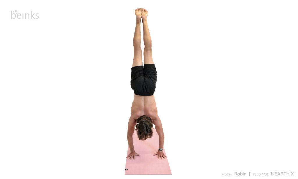 Robin - handstand